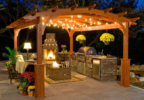 Ultimate Outdoor Kitchen Cooking Environment