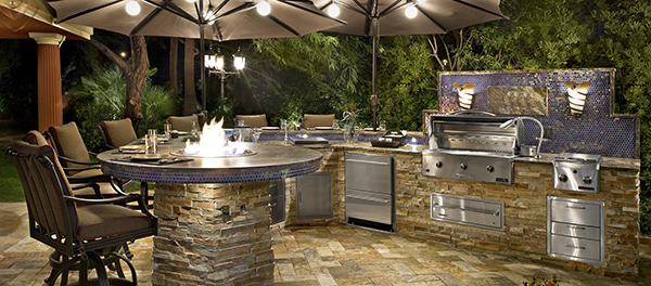 Professional Outdoor Kitchen Projects and Outdoor Kitchen Designs